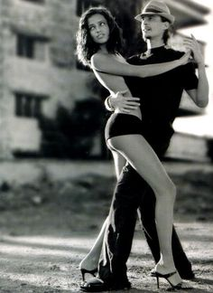 a great tango....and Adriana Lima....shes perfectly beautiful