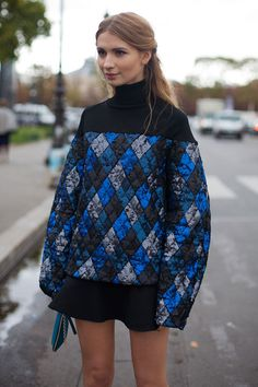 See all the street style looks from Paris Fashion Week Spring Street Style Trends, Spring Street Style, Street Style Looks, Cool Street Fashion, Street Chic, Paris Fashion, Paris Street, Blue Fashion, Women's Fashion