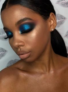 Woc makeup I so, makeup ideas for women with darker skin tones. Woc makeup I so, makeup ideas for women with darker skin tones. Dark Skin Makeup, Natural Eye Makeup, Eye Makeup Tips, Smokey Eye Makeup, Eyeshadow Makeup, Makeup Ideas, Sleek Makeup, Natural Eyeshadow, Makeup Set