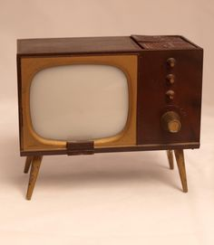 That is ONE.  OLD.  TV.
