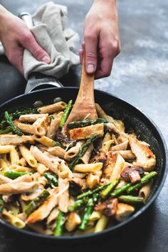 Five Approaches To Economize Transforming Your Kitchen Area Garlic Chicken Mushroom And Asparagus Penne Creme De La Crumb Penne Recipes, Chicken Recipes, Cooking Recipes, Healthy Recipes, Chicken Meals, Chicken Mushroom Pasta, Garlic Chicken, Chicken Asparagus Pasta, Lotsa Pasta