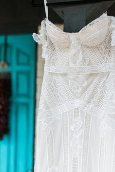 romantic desert wedding inspiration | rue de seine gown | aandbe bridal shop | texas wedding