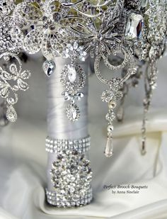 Diamond Brooch Wedding Bridal Bouquet. DEPOSIT on a made to order bouquet. It shines like a Diamond. Old Hollywood Gatsby. Bling - Thumbnail 2