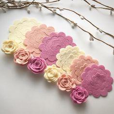 "6 Likes, 1 Comments - Sarah (@petal_cottage) on Instagram: ""New pink lemonade rose packs now available #feltflowers #felt #feltroses #feltcraft #crafts"""