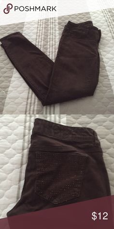 Chocolate skinny jeans Brown like new skinny jeans. Back pockets have tiny brown rhinestones Indigo Rein Jeans Skinny