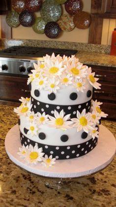 chevron ribbon with navy dots. Black and White Daisy Birthday Cake. I am thinking with red and black polka dots for the daisy/ ladybug theme I want to do for Amelia's birthday. Birthday Cake For Mom, Pink Birthday Cakes, Birthday Cakes For Women, Birthday Ideas, Birthday Bash, Daisy Cakes, 21st Cake, Mom Cake, Gateaux Cake