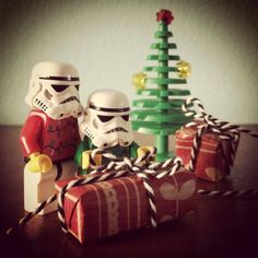 Wrapping gifts #wrapping #gift #gifts #christmas #christmastree #xmas #starwars #starwarslegos #starwarslego #lego #legostarwars #minifigures #minifigure #stormtrooperlife #stormtrooper #bob #iphonography #365project #day359