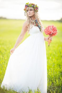 Simple white maxi wedding gown. #weddingdress #simpleweddingdress #weddingchicks Captured By: Picture That Photography and Just For You Photography ---> http://www.weddingchicks.com/2014/04/30/colorful-bohemian-wedding-ideas/