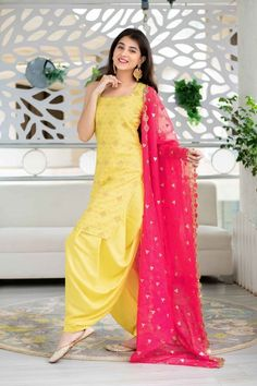 #patiala #fashion #indianwear Pakistani Dresses Casual, Indian Gowns Dresses, Indian Fashion Dresses, Indian Designer Outfits, Fashion Outfits, Women's Fashion, Simple Kurti Designs, Kurta Designs Women, Salwar Designs