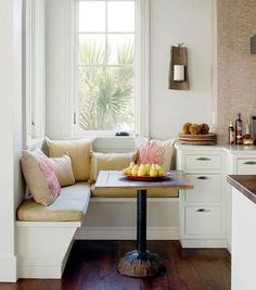 Ideas For Kitchen Corner Window Seat Small Spaces Kitchen Breakfast Nooks, Cozy Kitchen, New Kitchen, Kitchen Decor, Kitchen Small, Kitchen Dining, Kitchen Cabinets, Kitchen Interior, Kitchen Banquette Ideas