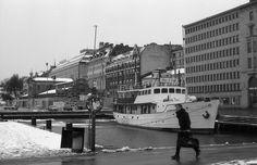 2014_maaliskuu_Helsinkiä_Nikon-FA-Nikkor-50mm_Polypan-F_054 Helsinki, Finland, Nikon, Explore, Black And White, Film, Movie, Black N White, Film Stock