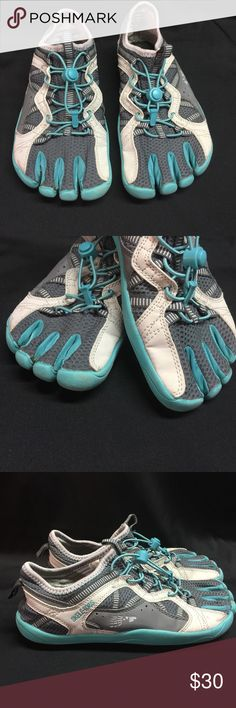 Fila Skele Toes Womens Running Training Shoes Sz 8 Fila Skele Toes Women's Running Training Shoes Sz 8 Gray Turquoise  Condition: No flaws that I can see Please see pics to see if they will work for you! Fila Shoes Athletic Shoes