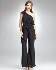 Para la temporada primavera verano 2012 siguen surgiendo tendencias de la moda femenina, a cada una más atractiva y cómoda y pensando
