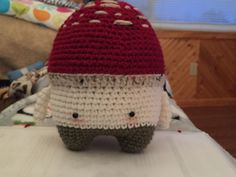 toadstool PETER made by Beth J. / crochet pattern by lalylala