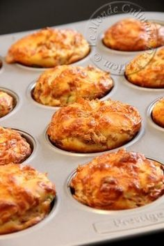 Salem alaykoum, hello to all; Today I propose a new version of pizzas and muffins that I made . Best Holiday Appetizers, Healthy Christmas Recipes, Vegetarian Recipes Dinner, Easy Dinner Recipes, Appetizer Recipes, Savory Muffins, Mini Muffins, Healthy Breakfast Potatoes, Pizza Cupcakes