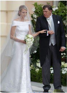 2012 Newest arrival A-line with long veil Asymmetrical beaded long trail wedding dress