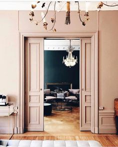 We ve done the research and found our top favorite earthy pink paint colors that are perfectly subtle warm and deliciously classic Room Inspiration, Interior Inspiration, Murs Roses, Pink Paint Colors, Vintage Paint Colors, Wall Colors, Interior And Exterior, Interior Design, Interior Walls