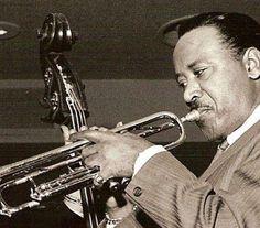 """Harry """"Sweets"""" Edison (Columbus, Ohio, October 10, 1915 – July 27, 1999), fue un trompetista estadounidense de Jazz, miembro de la afamada Count Basie Orchestra.  http://en.wikipedia.org/wiki/Sweets_Edison  http://es.wikipedia.org/wiki/Harry_Edison  http://www.apoloybaco.com/harryedisonbiografia.htm"""