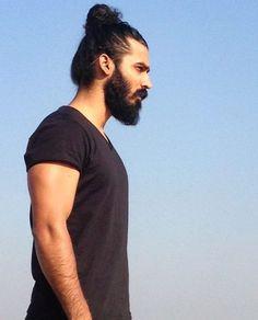Raja inspiration Facial Hair, Bearded Men, Mustache, Instagram Posts, Model, Mens Tops, Heart, Inspiration, Fashion