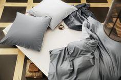 Bugatti povlečení! Jednoduché ale elegantní povlečení Bugatti v odstínu šedé barvy vyrobené z jemné, hustě tkané látky ze 100% bavlny v úpravě Perkál.