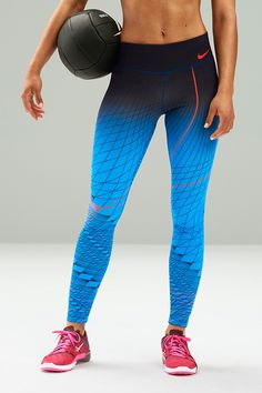 Built comfortable and compressive for any workout. Designed bold and modern for a summer look. The NikeWomen Power Legendary Training Tight blends ombre style with supportive fit to flatter your form from first set to last.