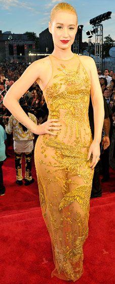 Iggy Azalea's 2013 VMAs look is killer. She always looks amazing. Fancy Music Video, Mtv Video Music Award, Music Awards, Gold Lace Dresses, The New Classic, Mtv Videos, Iggy Azalea, Celebrity Look, Red Carpet Looks