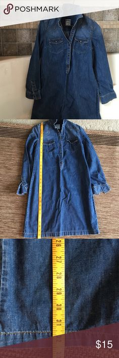 "Dress Old navy denim dress size XS., 32.5"" long.  This item had been warn a few times.  However, it is in excellent condition. You might mistake it as new. Old Navy Dresses Mini"