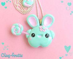 Collier fimo kawaii geek petit lapin menthe gourmand et sa sucette lollipop. : Collier par clay-foutis