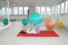 METODA DNS (DYNAMICKÁ NEUROMUSKULÁRNÍ STABILIZACE) Cílem cvičení je posílení středu těla, uvolnění beder a stabilizace páteře. Gym Equipment, Exercise, Workout, Fitness, Diet, Ejercicio, Work Out, Excercise, Work Outs