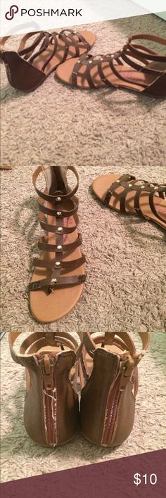 Brown strap sandals 6.5 brown strappy sandals pretty good condition, thread on backs could easily be cut Shoes Sandals