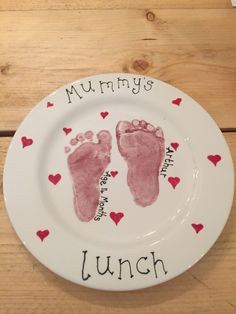 What a lovely plate to have your lunch on! Great prints