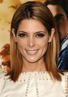 Famous Actress Ashley Greene As Alice Cullen-Hale From Twilight Sagas Movies At The Mortal Instruments Movie Premiere.