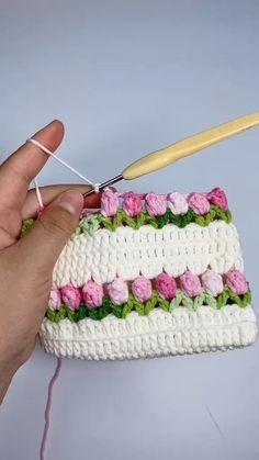 Crochet Cord, Crochet Lace Edging, Crochet Square Patterns, Crochet Blanket Patterns, Diy Crochet, Crochet Designs, Crochet Flowers, Crochet Stitches, Crochet Shawl