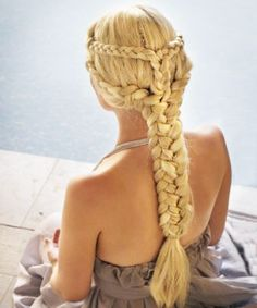 Best Single Braid | Want to look chic as you traverse the desert in pursuit of the Iron Throne? Take a cue from Daenerys. The Mother of Dragons wore what had to have been the mother of all braids on her epic journey.