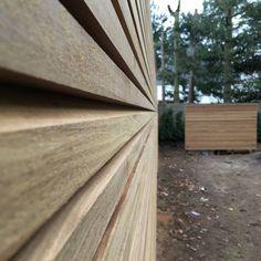 Schutting profiel FILIP Overpelt Wood Siding, Garden Fencing, Fence Design, Wood Boxes, Gardening, Garden Fences, Wood Cladding, Wooden Crates, Wood Crates