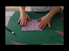 Fondant crackled wood effect tutorial