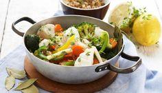 Denne torskegryten kan du like godt lage litt ekstra av, for appetitten vil garantert stige etter hvert som duftene fra torsken og grønnsakene sprer seg i huset.