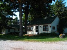 Welcome to Pinewood Cottages and Trailer Park 1.5 hrs north of #Toronto #Ontario  Just past Emily Park! Click Pic for more details!