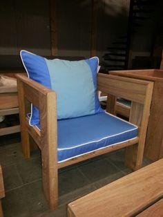 . Big Pillows, Throw Pillows, Outdoor Chairs, Outdoor Furniture, Outdoor Decor, News Design, Emerald, Lounge, Shades