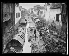 Wood Market and Canal. China, Hangzhou, (Photo by Sidney David Gamble) Old Pictures, Old Photos, Vintage Photos, Old Shanghai, History Images, Modern History, Visit China, Old Photography, China Art