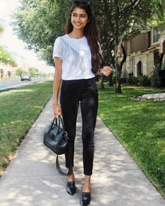 Loafer Flats, Loafers, Flat Style, Fashion Flats, Smile, Chic, Link, Summer, Blog