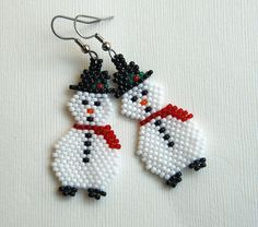 Totally Twisted Bangles & Beads: Snowman Earrings  #beadwork