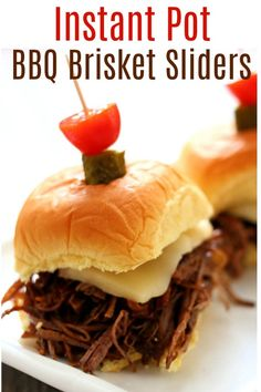 (Sponsored) Instant Pot BBQ Brisket Sliders–tender and moist shredded or sliced beef brisket piled on a soft roll and topped with a slice of pepper jack cheese. A perfect recipe to make for game day. Tostadas, Tacos, Instant Pot Pressure Cooker, Pressure Cooker Recipes, Pressure Cooking, Top Recipes, Crockpot Recipes, Cooking Recipes, Cooking Videos