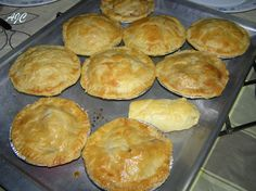 Puff Pastry Recipes, Pie Recipes, Baking Recipes, Savory Snacks, Savoury Dishes, Kos, Milk Bread Recipe, Muffins, Cooking Bread