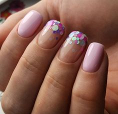 The advantage of the gel is that it allows you to enjoy your French manicure for a long time. There are four different ways to make a French manicure on gel nails. Beautiful Nail Art, Gorgeous Nails, Cute Nails, Pretty Nails, Hair And Nails, My Nails, Glitter Nails, Confetti Nails, Manicure