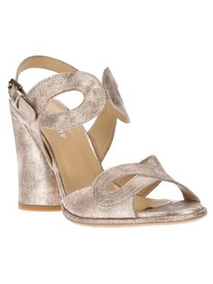 AUDLEY Chunky-Heeled Sandal http://www.farfetch.com/shopping/women/audley-chunky-heeled-sandal-item-10339206.aspx