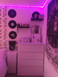 Indie Room Decor, Cute Bedroom Decor, Room Design Bedroom, Bedroom Decor For Teen Girls, Girl Bedroom Designs, Teen Room Decor, Aesthetic Room Decor, Room Ideas Bedroom, Dream Teen Bedrooms