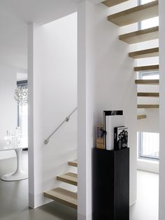 Staircase design by Piet Boon Styling Modern Interior, Modern Decor, Stair Ladder, Steel Stairs, Floating Stairs, Open Stairs, Interior Stairs, House Stairs, Living Styles