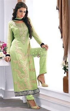 #Partywear #punjabisuits #boutiquesstyle ladies salwar kameez Ultrasonic designs of party wear punjabi suits for fashionable girls in ethnic mod. Such boutiques style in ladies salwar kameez of 2016 have been launched for the very first time in Indian #traditionalfashion.