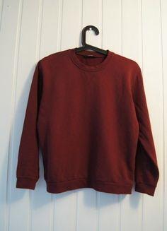 Kup mój przedmiot na #vintedpl http://www.vinted.pl/damska-odziez/bluzy/14305900-bordowa-bluza-ff-xs